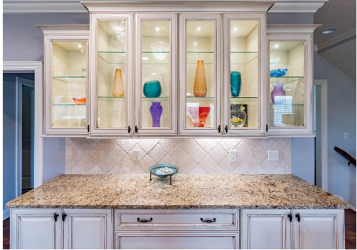 Should You Stain Or Paint Your Kitchen Cabinets? - Labor ...
